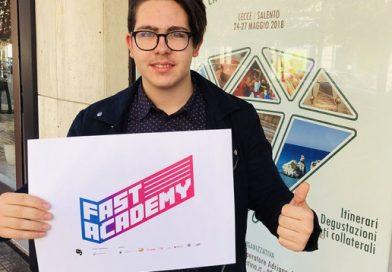 """LECCE.Studente 15enne del """"Galilei-Costa"""" progetta il logo per Fast Academy e vince il contest nazionale di ItaliaCamp"""