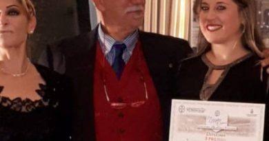 """Grande successo della terza edizione di  """"Mesagne in Lirica """", con la brindisina Chiara Centonze che vince il Premio Pasimeni ."""