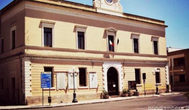 SAN DONACI (Br).BILANCIO BLOCCATO, L'OPPOSIZIONE CHIEDE LE DIMISSIONI IMMEDIATE DELL'ASSESSORE FINA